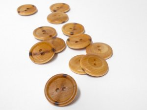 Plastic - 4 hole button with wood grain design
